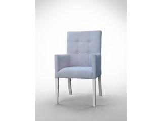 Fotel z pikowanym oparciem F0035