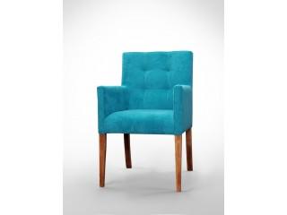 Fotel z pikowanym oparciem F0027